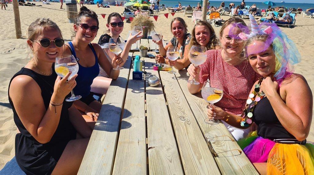 gin-tonis-vrijgezellenfeest-vrouwen